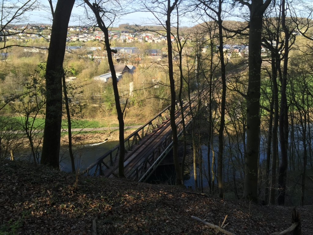 Die Eisenbahnbrücke in Kerkerbach