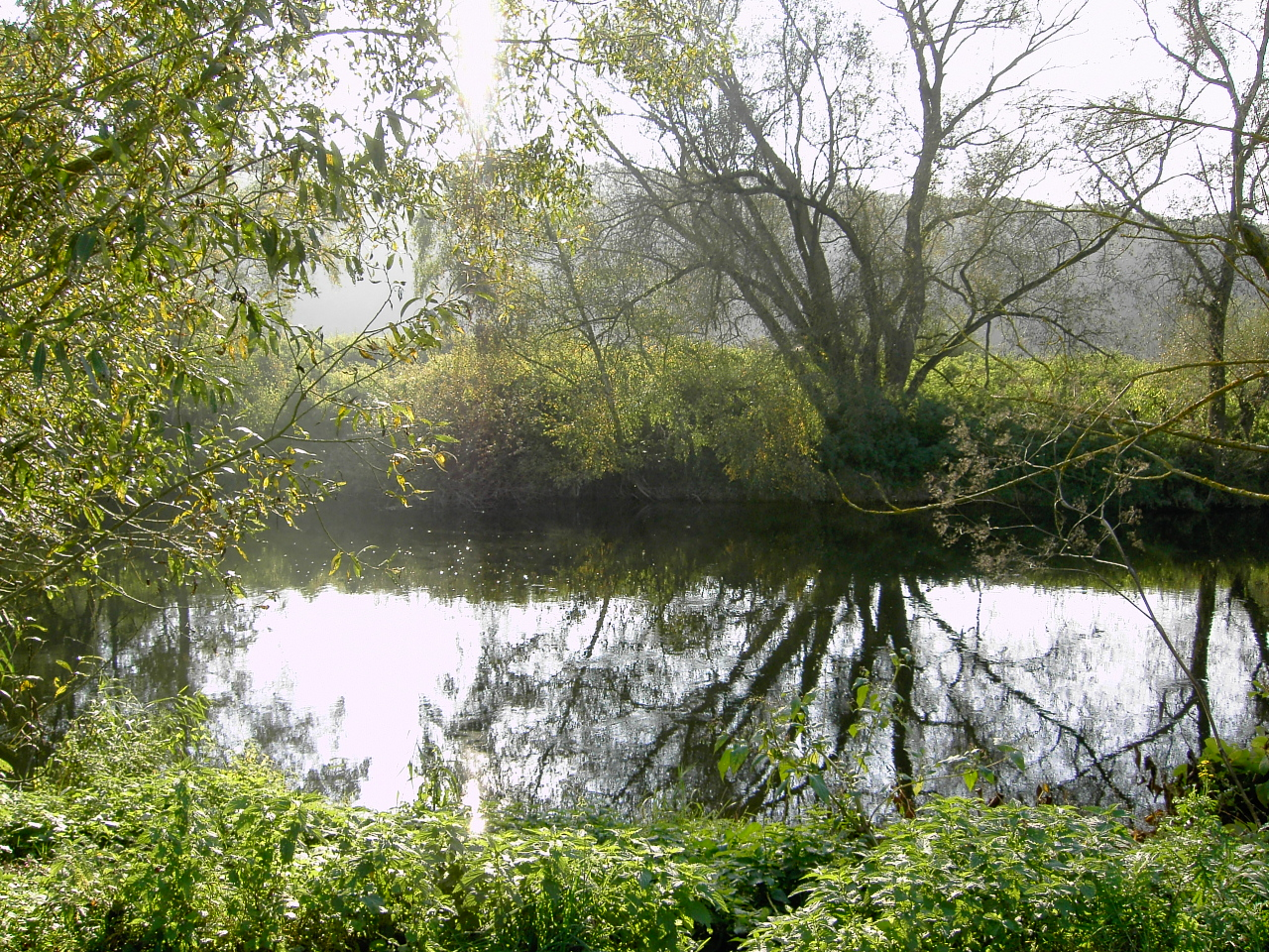 """Die Lahn an der Furt """"Braat Pritsch"""" im Oktober 2005"""