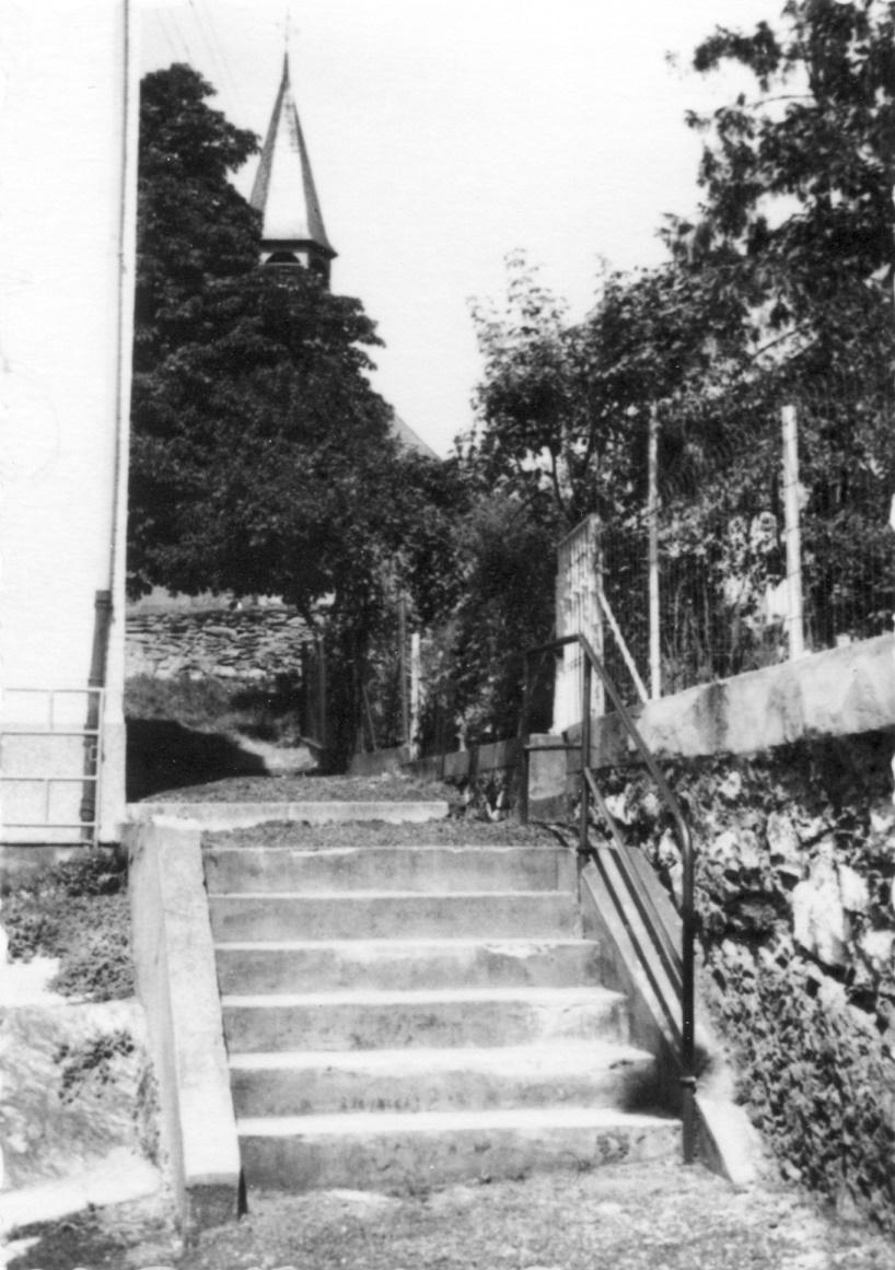 Die Treppen vom Kirchberg zur Johanneskapelle