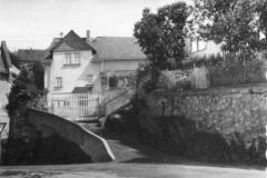Der Schulberg mit der ersten Steedener-Schule